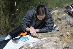 Fouille archéologique à la Roche à Pierrot 2016