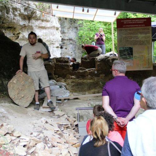 Visite du gisement archéologique de la Roche à Pierrot